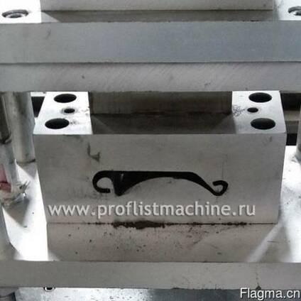 Оборудование для производства подъемной двери в Китае